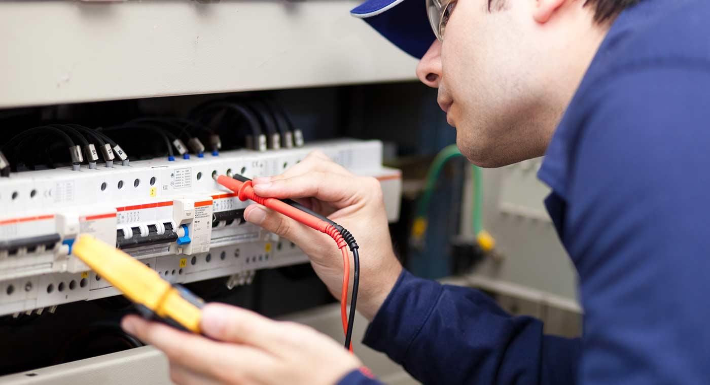 Find An Electrician >> Qualified Local Electricians Near You